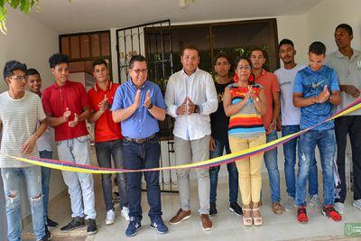 El rector, Jairo Torres Oviedo, estuvo acompañado por la jefe de la División de Bienestar Institucional, Yubis Seña Vidal y por el representante de los estudiantes ante el Consejo Superior, Isaac Asís.