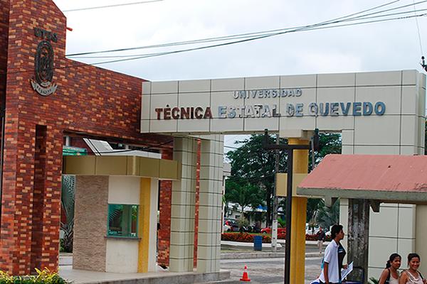 Fachada principal U. Técnica Estatal de Quevedo