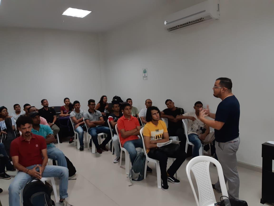 Aspecto del taller ofrecido por el docente Juan Guillermo Villarreal, magíster en Estudios Musicales.