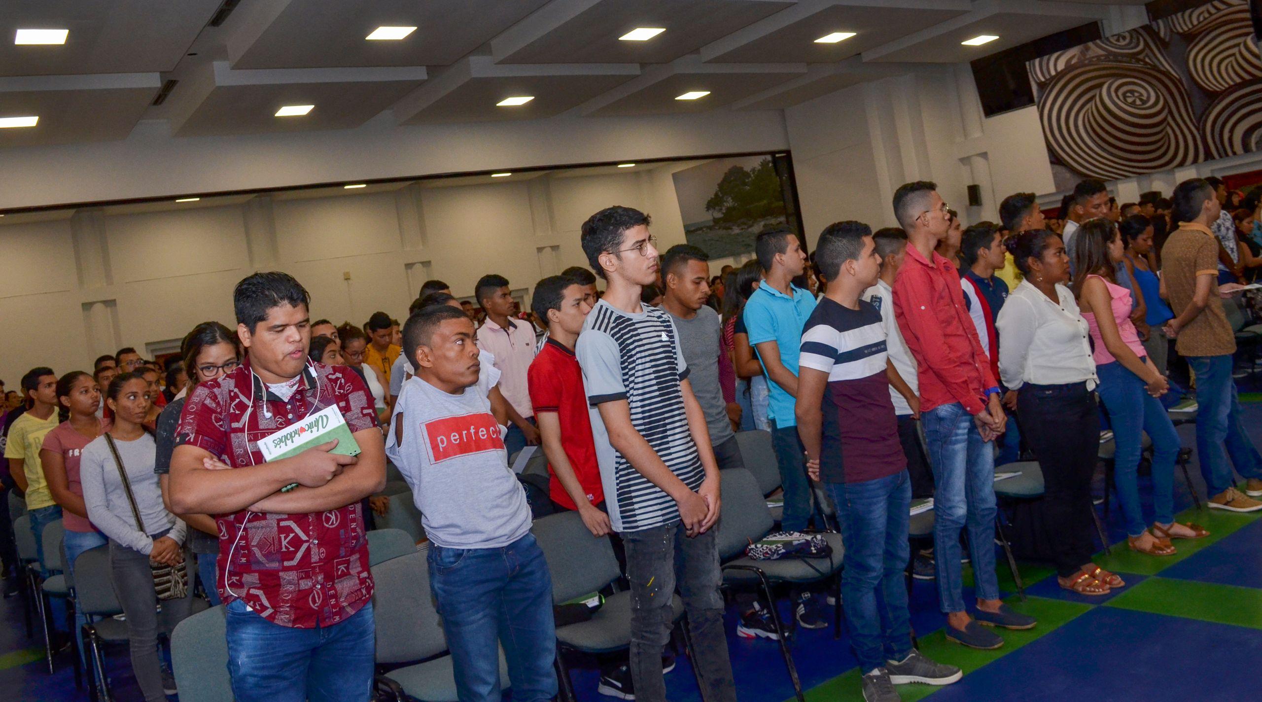 Daniel Polo Martínez estrena nuevas amistades en una comunidad universitaria que admira su fortaleza.
