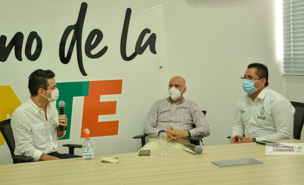 De izquierda a derecha, el alcalde de Montería, Dr Carlos Ordosgoitia, el director del IIBT de la Unicórdoba, Dr Salim Mattar y el rector de esta alma mater, Dr Jairo Torres Oviedo.