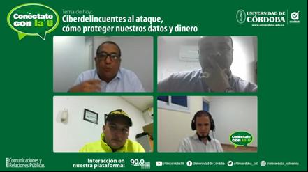 José Waldo De La Osa, extremo superior derecho; subintendente Julio César Gutiérrez y Juan David Carvajal, junto al jefe de la Unidad de Comunicaciones, Jorge Velásquez.