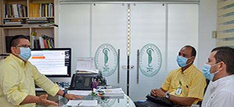 El rector de la Universidad de Córdoba, Jairo Torres Oviedo y el director de la Corporación Autónoma Regional de los Valles del Sinú y San Jorge, CVS, Orlando Medina Marsiglia