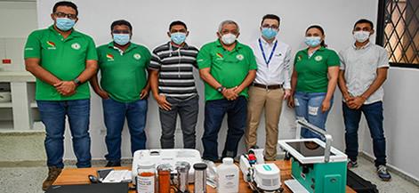 Equipo de Ciencias Agrícolas que recibió el medidor de gases infrarrojo o medidor fotosíntesis, durante la inducción.
