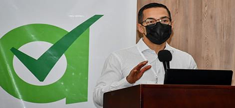 Dr. Juan David Ramírez, durante su conferencia en Unicórdoba.